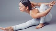 學會瑜伽貓伸展式,讓你不再含胸駝背,一米五的小個子也還能長高