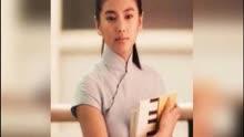 张雨绮身穿绿色深V礼服出席活动,网友王全安你怎么想的?