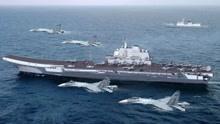 国产首艘航母刺入台海,整支舰队环岛而行,美军舰紧随其后