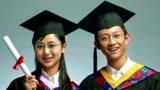 當年紅遍大江南北的電視《家有兒女》中小雪扮演者楊紫,劉星扮演者張一山現在都成俊男靚女.喜歡的送朵