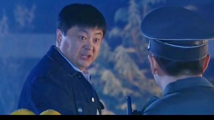 影視:二哥夜練不料被保安抓到,這還給自己找上工作了,非要巡邏