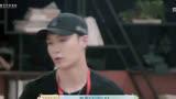 """【唯九】《忘不了餐廳第二季》藝興用韓語自我介紹:""""EXO lay一米達"""""""